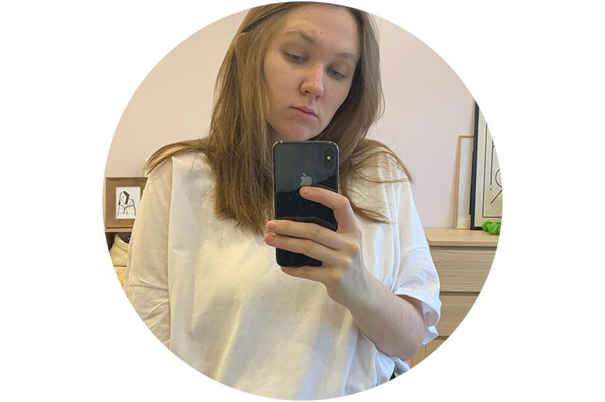 Полина Смелкова рассказывает, где купить футболку