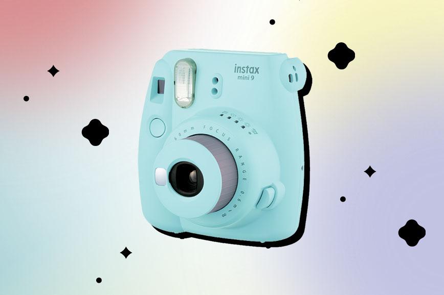 Фотоаппарат как подарок на 8 Марта