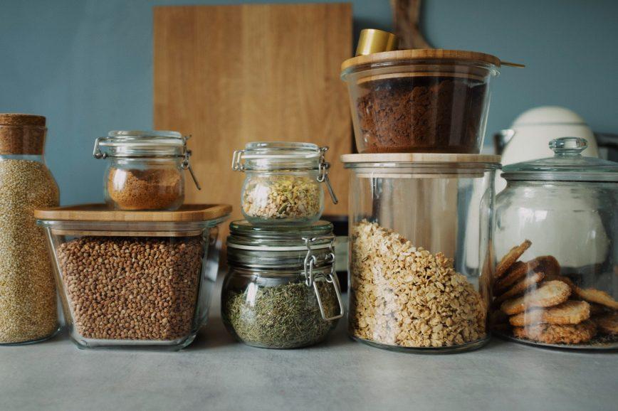 Идеи для интерьера: контейнеры для хранения круп, чая и сладостей