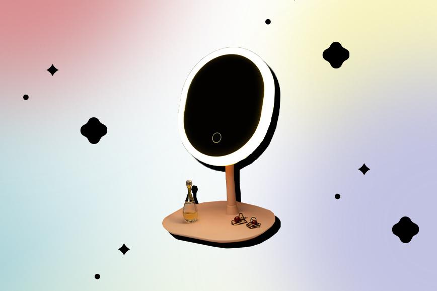 Как украсить спальню: настольное зеркало с подсветкой