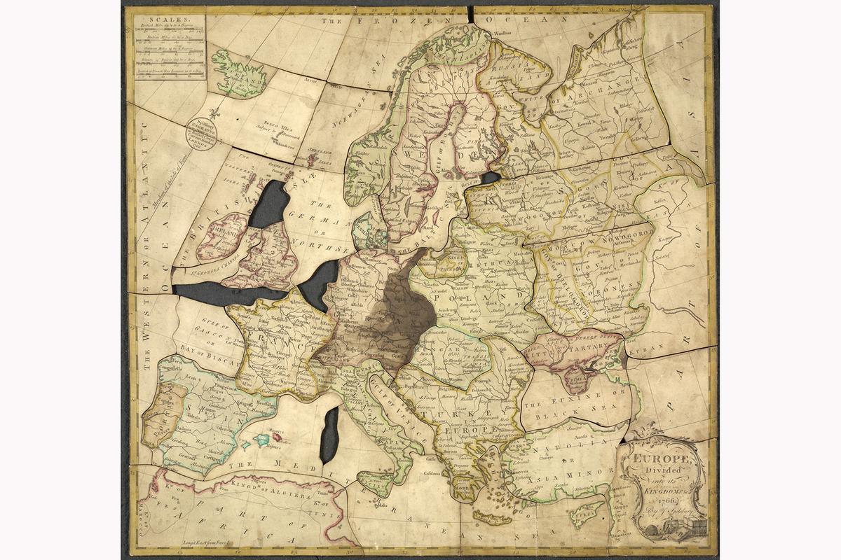 Польза пазлов в 18-м веке была двойной: дети учили историю и географию, а родители могли проводить с ними больше времени за семейным досугом.