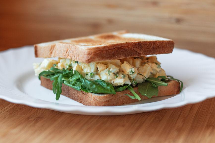 Блюда из яиц: Сэндвич с яичным салатом