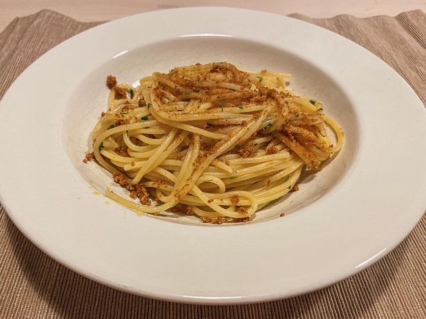 рецепт итальянской пасты: Острые спагетти алио е олио