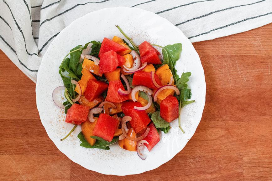 Салат из арбуза и помидор