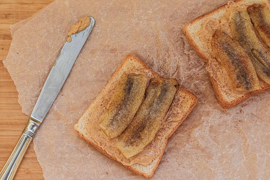 Сэндвич с арахисовой пастой