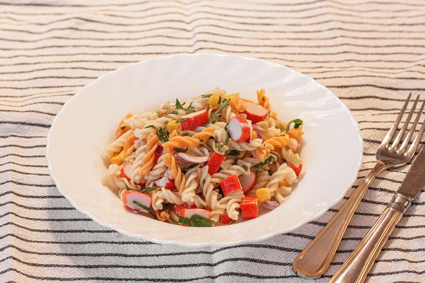 Недорогие рецепты: салат с макаронами