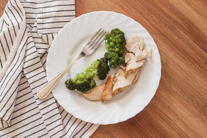 Недорогие рецепты: запечённая курица